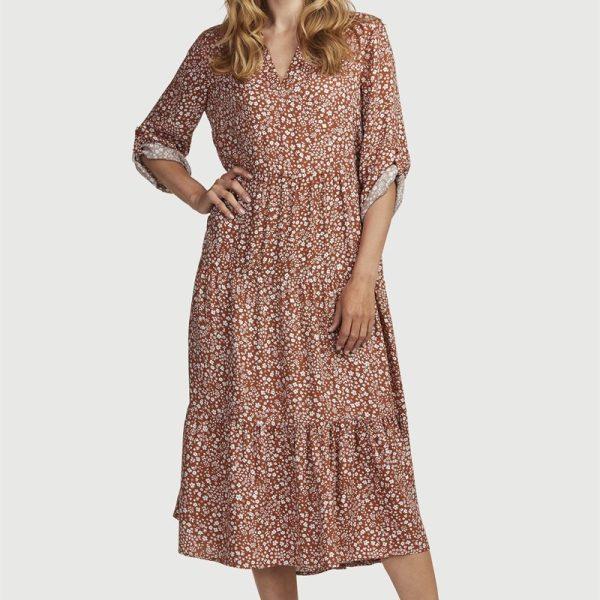 Mønstret kjole med volanger'