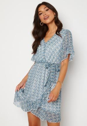 Sisters Point New Greto Dress 116 Cream/Blue L